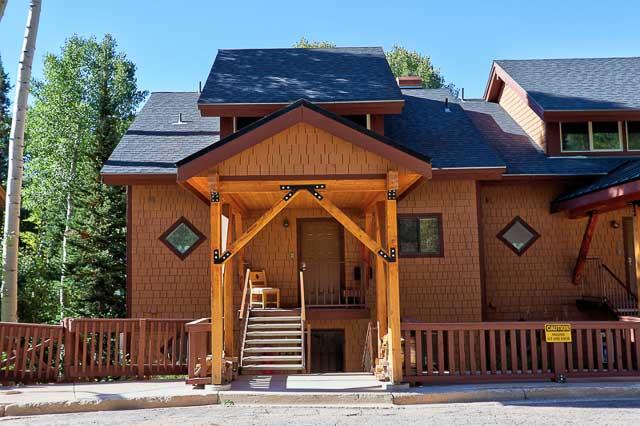Wooded Ridge Number 10 ski in ski out condo in Eagle Point Ski Resort - Beaver, Utah