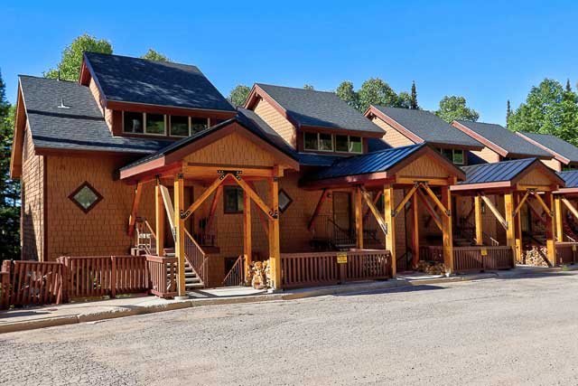 mountain-cabins-utah-ski-in-ski-out-condo-for-rent-eagle-point-ski-resort-wooded-ridge-8-31