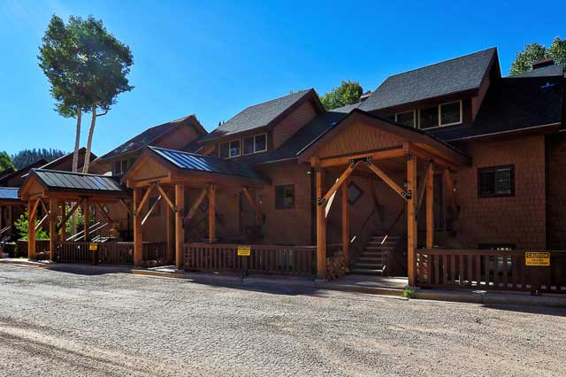 Eagle Point Mountain Resort condo for ski in ski out and